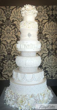 wedding cakes with bling wedding - weddingcake Bling Wedding Cakes, White Wedding Cakes, Elegant Wedding Cakes, Bling Cakes, Lace Wedding, Wedding White, Gorgeous Cakes, Pretty Cakes, Rhubarb Cake