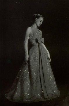 1951 - Christian Dior dress in L'art et la mode 2745