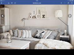 Sala pequeña en blanco