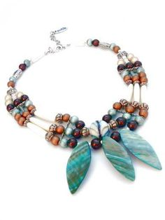 Necklace mother-of-pearl aquamarine, brown, écru. Handcrafted collar with 3 strands, nacré beads, ceramic beads, glass beads (Sassetta)