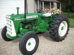 Madcap John Deere - New Holland - Massey Ferguson Antique Tractors, Vintage Tractors, Vintage Farm, Tractor Pictures, New Tractor, Tractor Implements, Classic Tractor, Compact Tractors, Old Pickup Trucks