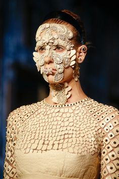Givenchy Spring 2016 Ready-to-Wear Fashion Show freaky face mask a328fc8d7136