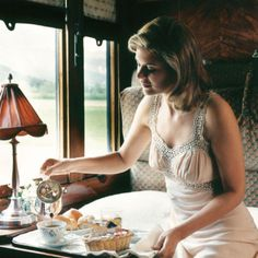 Experience a world of timeless glamour aboard the Venice-Simplon-Orient-Express luxury train. Enjoy overnight journeys from London to Venice and across Europe. Train Tracks, Train Rides, Train Car, Train Trip, Girl Train, Train Journey, Trains, Simplon Orient Express, Glamour