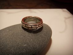 Sterling silver notched spinner ring £55.00