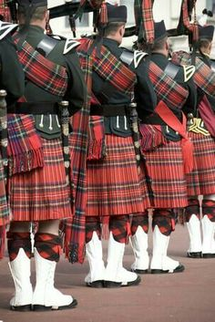 To present some of Scotland's culture and history a bagpipe performance will be the opening of the ceremony. tartan kilt and hats and play the bagpipes. Scottish Kilts, Scottish Tartans, Scottish Dress, Scottish Clans, Scotland Kilt, Glasgow Scotland, Brave, Men In Kilts, Kilt Men