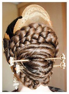 Falleras - Peluqueria Nova-imatge Goddess Hairstyles, Cool Hairstyles, Hair Inspo, Hair Inspiration, Cosplay Hair, Festivals Around The World, Period Costumes, Historical Costume, World Cultures
