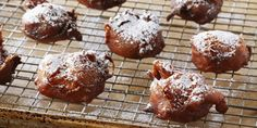 Receta: Anna Olson/  Easy Apple Fritter Doughnuts