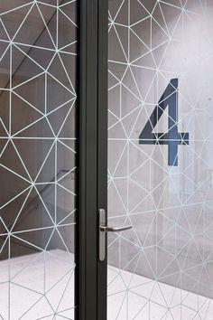 Katrin Schacke – Konzeption & Gestaltung Office Graphics, Window Graphics, Glass Sticker Design, Glass Design, Office Interior Design, Office Interiors, Interior Decorating, Glass Partition Designs, Office Pods