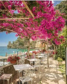 Where to Stay in Positano — Nicole Storey Dream Vacations, Vacation Spots, Siena Toscana, The Places Youll Go, Places To Go, Beautiful World, Beautiful Places, Amalfi Coast Italy, Sorrento Italy