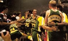 Sonics on the court post-game celebrating a world championship.