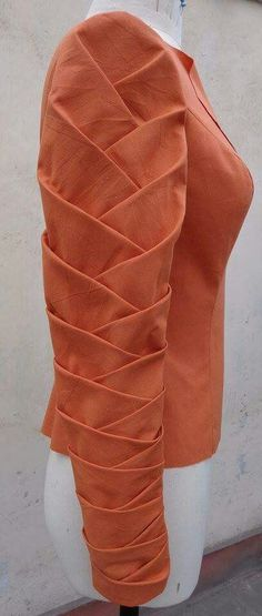 Ideas Origami Dress Fashion Haute Couture For 2019 Stylish Blouse Design, Fancy Blouse Designs, Blouse Neck Designs, Kurti Sleeves Design, Sleeves Designs For Dresses, Sleeve Designs For Kurtis, Kurta Designs, Fashion Details, Fashion Design