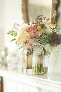 Centerpiece and Bride's Bouquet inspiration