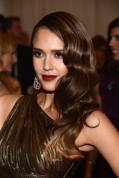 At last year's Met Gala, Jessica Alba's Marcel waves, gilded eye | Throwback Thursday: Celebrities Who Love Gatsby-Era Hairstyles | POPSUGAR Beauty