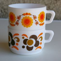 French Arcopal coffee cups