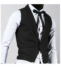 One button peaked lapel welt pockets vest.
