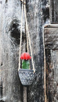 Triangle Design Black and White Hanging Earthenware Planter // Geometric Ceramic Hanging Planter // Succulent Planter // Cactus Planter