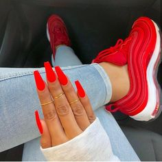 Neon Nails Art - Neon Nail Designs for Light and Dark Skin - New Ideas Cute Red Nails, Neon Nails, Gorgeous Nails, Pretty Nails, Red Matte Nails, Red Orange Nails, Bright Red Nails, Long Red Nails, Red Stiletto Nails