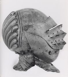 Italian (Probably) Close Helmet, c. 1520 Steel H. cm in. Types Of Armor, Good Knight, Neck Bones, Knights Helmet, Military Armor, Landsknecht, Knight Armor, Historical Artifacts, Suit Of Armor