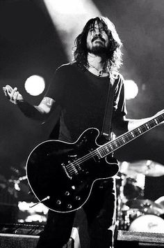 Dave Grohl- Foo Fighters & previously Nirvana drummer <3