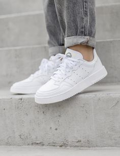 Adidas Outfit, Adidas Sneakers, Inspiration Boards, Fashion Inspiration, Adidas Originals, The Originals, Shoes Too Big, Adidas Stan Smith, Barefoot