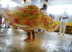 Feirinha Cultural da Lona tem entrada gratuita e conta com apresentações musicais, dança e exposições e venda de antiguidades, roupas, livros, discos e artesanatos
