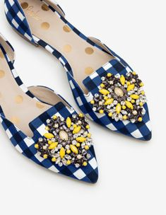 Leah Jewelled Flats Flats at Boden Jeweled Shoes, Pointed Toe Flats, Pretty Shoes, New Shoes, Flat Shoes, Pump Shoes, Occasion Wear, Bleu Marine, Valentino