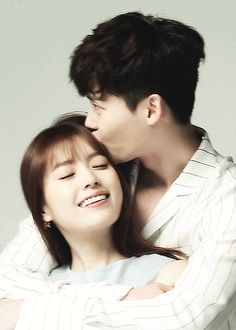 Lee Jong Suk and Han Hyo Joo, who were known to us as the beloved Kang Cheol and Oh Yeon Joo from their past MBC drama 'W', reunited for a couple pict… Han Hyo Joo Lee Jong Suk, Lee Jong Suk Cute, Lee Jung Suk, W Two Worlds Art, Between Two Worlds, W Korean Drama, Drama Korea, Korean Couple, Best Couple