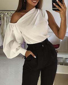 Solid One Shoulder Lantern Sleeve Blouse Trend Fashion, Look Fashion, Fashion Tips, Fashion Design, Winter Fashion, Classy Outfits, Chic Outfits, Trendy Outfits, Blouse Styles