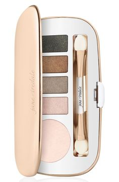 Creating a variety of beautifully soft, neutral looks with this kit by jane iredale that features five blendable eyeshadow shades.
