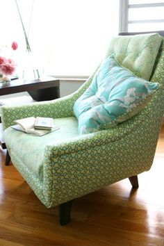 From Amy Butler Inspiration Gallery. Oh Amy. I have a chair like this that one day I'll redo in Amy fabric.