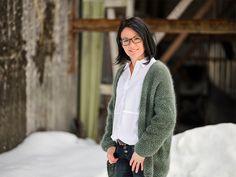 Dame Blazer, Sweaters, Instagram, Women, Fashion, Moda, Fashion Styles, Blazers, Sweater