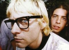 Nirvana ---- ooo his eyes are pinned. so high on heroin here. scares me.