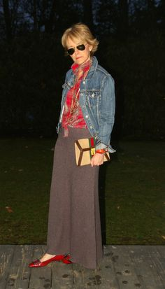 Copy this look with brown wool pants (grainy fabric)