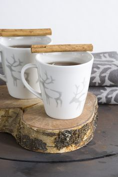 Saaga Mug | Pentik | This mug belongs to Saaga (Saga) tableware series that can paired with white Anis series. Designed by Minna Niskakangas, Saaga pottery utensils bring unique wilderness atmosphere from Finnish forests to your table. Made in Posio, Lapland, these pottery utensils are extremely durable and long-lived.