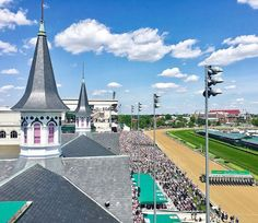 Churchill Downs Speer - count down to Kentucky Derby 2018 Churchill Downs, Three Year Olds, Kentucky Derby, Horse Racing, The Twenties, Life Hacks, Count, Horses, Mansions
