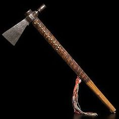 Tomahawk Pipe | Lakota Sioux Engraved Iron Blade Decorated Ash Native American Totem, Tomahawk Axe, Homemade Weapons, Beil, Engraved Pocket Knives, Sticks And Stones, Mountain Man, Native Indian, Knives And Swords