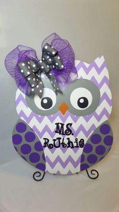 Owl door hanger purple grey chevron teacher name Owl Door Hangers, Teacher Door Hangers, Wooden Door Hangers, Diy Arts And Crafts, Fall Crafts, Crafts To Sell, Wood Crafts, Diy Crafts, Owl Classroom