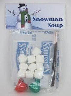 Must send this to school... Snowman Soup- 1 individual packet hot chocolate mix ,2-3 chocolate kiss candies , 10-15 mini-marshmallows, small candy cane... school Christmas treat bag??? Cute!