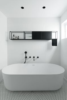 // A Renovated Tel Aviv Apartment in a 1930's Bauhaus Building - Bathroom