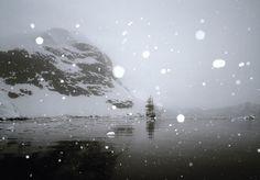 Fotógrafo registra expedição à Antártida num navio construído há 100 anos