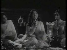Kise Pesh Karoon - Female - Meena Kumari & Sunil Dutt - Gazal - YouTube