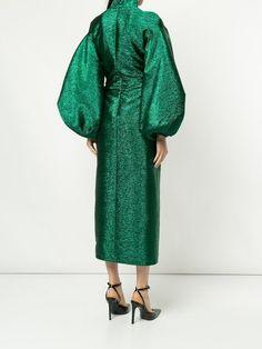 Uncover designer cocktail dresses at Farfetch. Emerald Green Evening Dress, Green Dress, Designer Party Dresses, Designer Cocktail Dress, Fashion Details, Fashion Design, Women's Fashion, Fashion Trends, Flatlay Styling