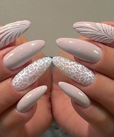 Nude Nails: 30 Nude Color Nail designs From minimalistic matte manicures to unique metallic, beaded nude nail art, we've gathered 30 of or favorite most beautiful nude nail designs for inspiration. Prom Nails, Long Nails, Wedding Nails, Nude Nails, My Nails, Coffin Nails, Ongles Beiges, Uñas Jamberry, Oval Nail Art
