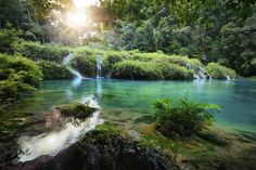 Places not to miss in Guatemala: Semuc Champey Places To Travel, Places To See, Travel Destinations, Travel Trip, Cascade National Park, National Parks, Voyage Costa Rica, Reserva Natural, Lake Forest