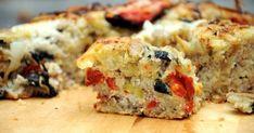 Kuru domatesli tuzlu kek tarifi, içerisindeki peynir, domates ve zeytin üçlüsüyle yeni bir kahvaltı alternatifi olarak karşımıza çıkıyor.