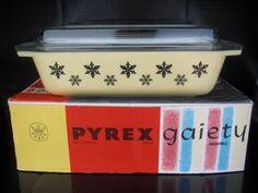 Pyrex JAJ Yellow Snowflake!!!!!