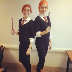 """23 Magical Two-Person """"Harry Potter"""" Costumes That Are Perfect For Halloween Funny Couple Costumes, Couple Halloween Costumes, Halloween Cosplay, Diy Costumes, Fall Halloween, Halloween Party, Costume Ideas, Halloween Stuff, Cosplay Ideas"""