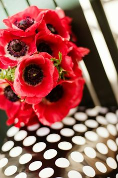 poppies & polkadots... adore!...  Photography by www.studioatticus.com, Floral Design by www.petalsfloraldesignvt.com