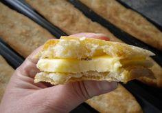 Le cuento las virtudes de este pan, tiene una corteza muy fina y  crujiente, casi no tiene miga, pero la poca miga que tiene, es muy  alveo...