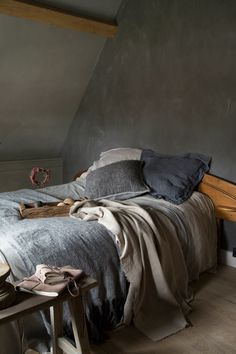 Grey and wood Dream Bedroom, Home Bedroom, Bedrooms, Gentleman Decor, Gray Interior, Interior Design, Home Design, The Home Edit, Home And Deco